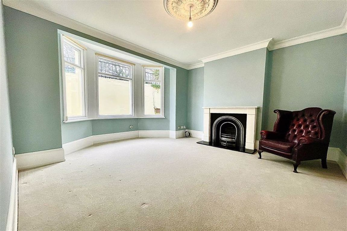 2 bed duplex for sale in St Margarets Grove, Plumstead, SE18