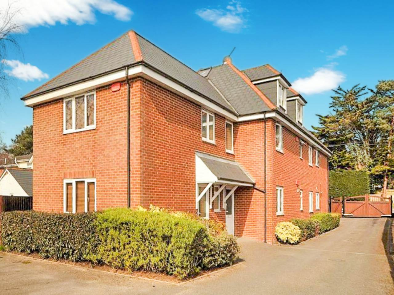 2 bed apartment for sale in 536 Wimborne Road East, Ferndown, BH22