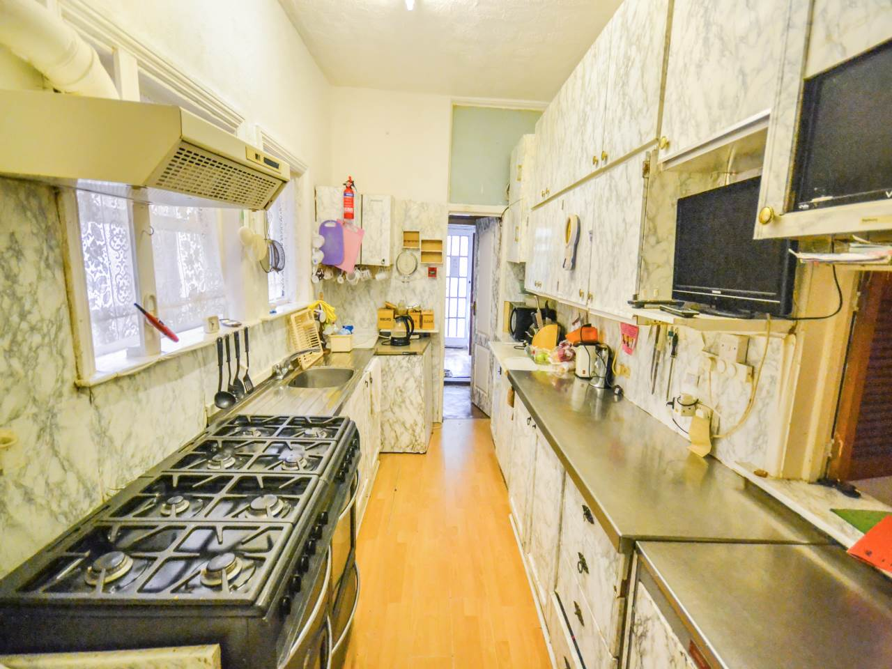 10 bed house for sale in Westby Road, Bournemouth 3