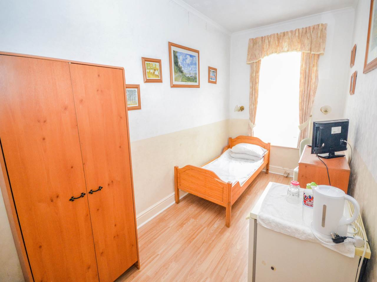 10 bed house for sale in Westby Road, Bournemouth  - Property Image 9