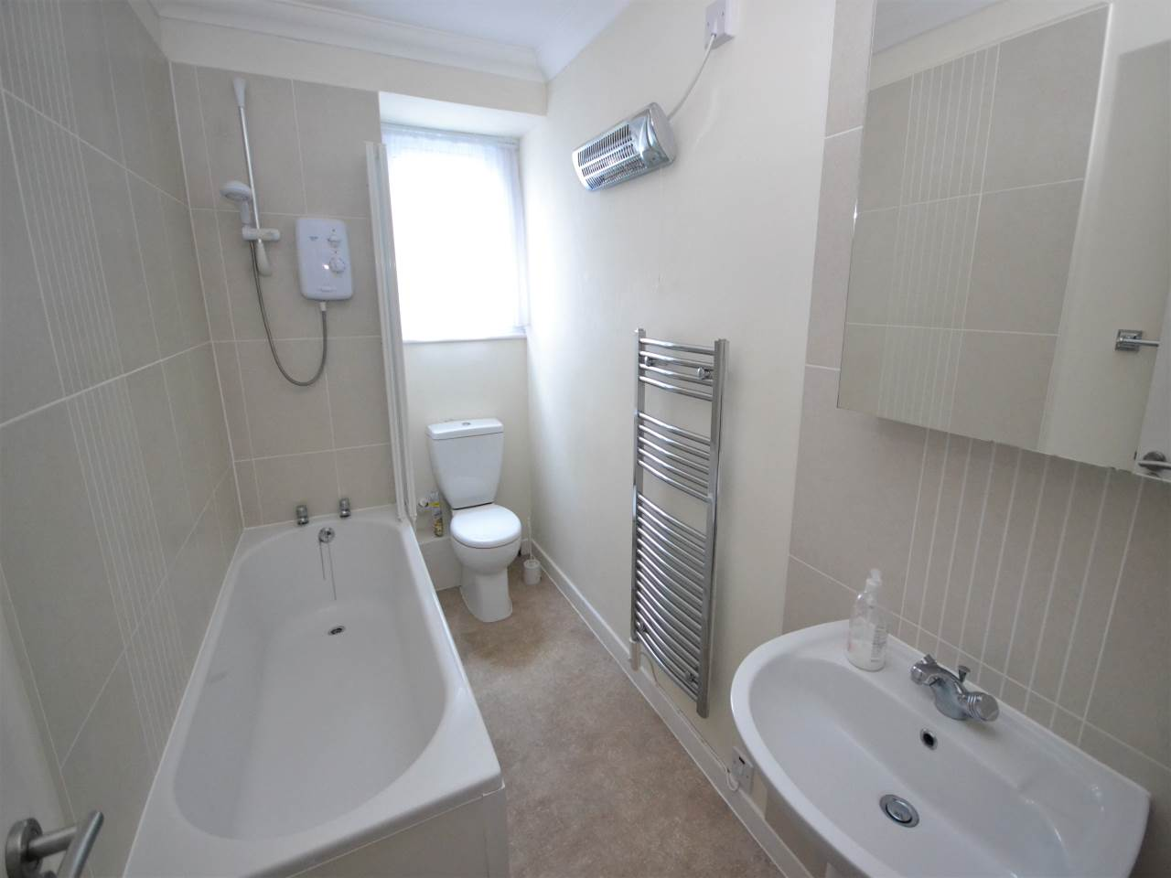 2 bed flat for sale in Magnolia House, Redhill Drive  - Property Image 5