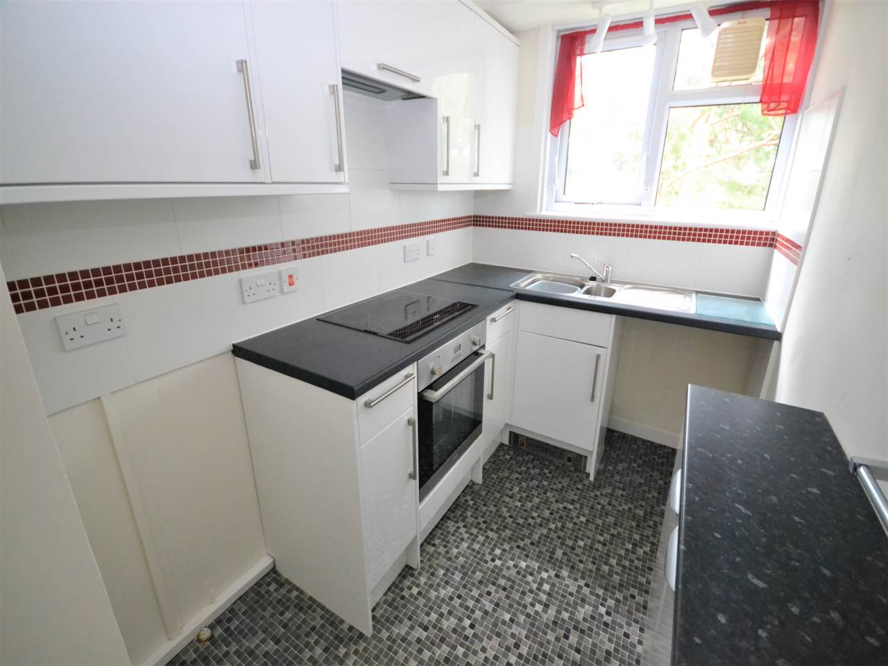 2 bed flat for sale in Magnolia House, Redhill Drive 2