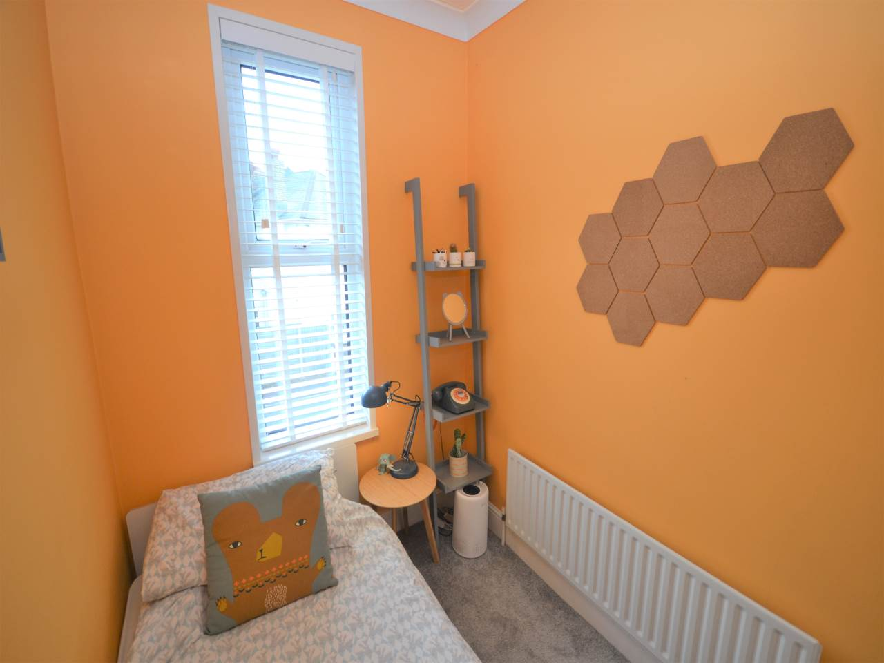 3 bed house for sale in Henville Road, Charminster 9