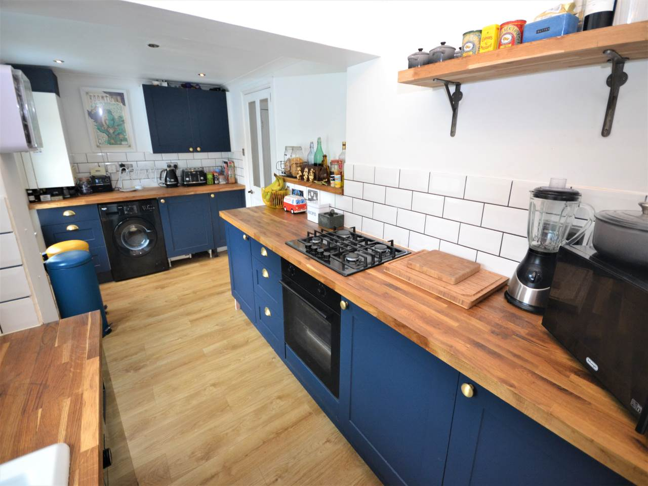 3 bed house for sale in Henville Road, Charminster 1