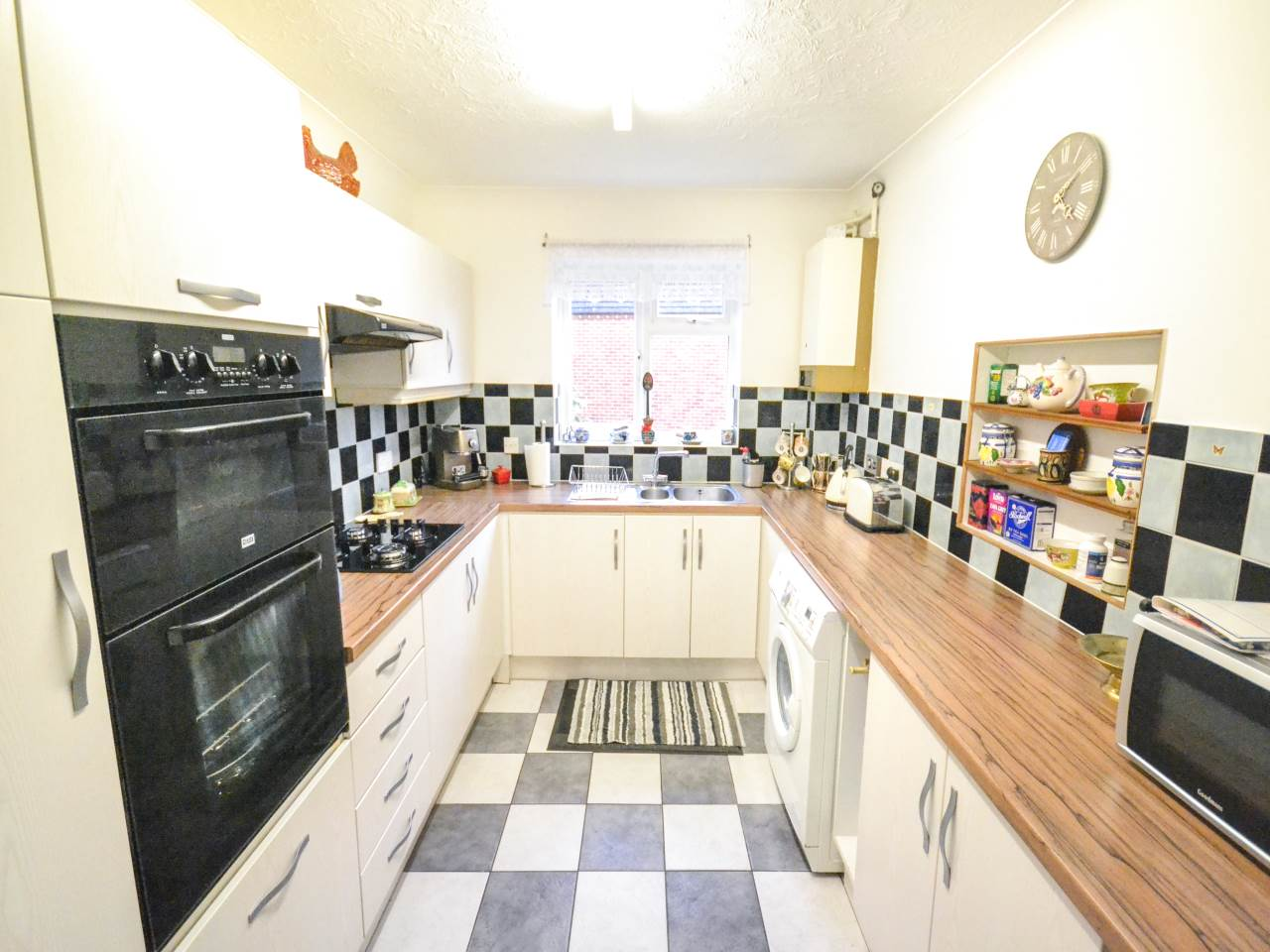 3 bed flat for sale in Fairview Park, Overbury Road 13