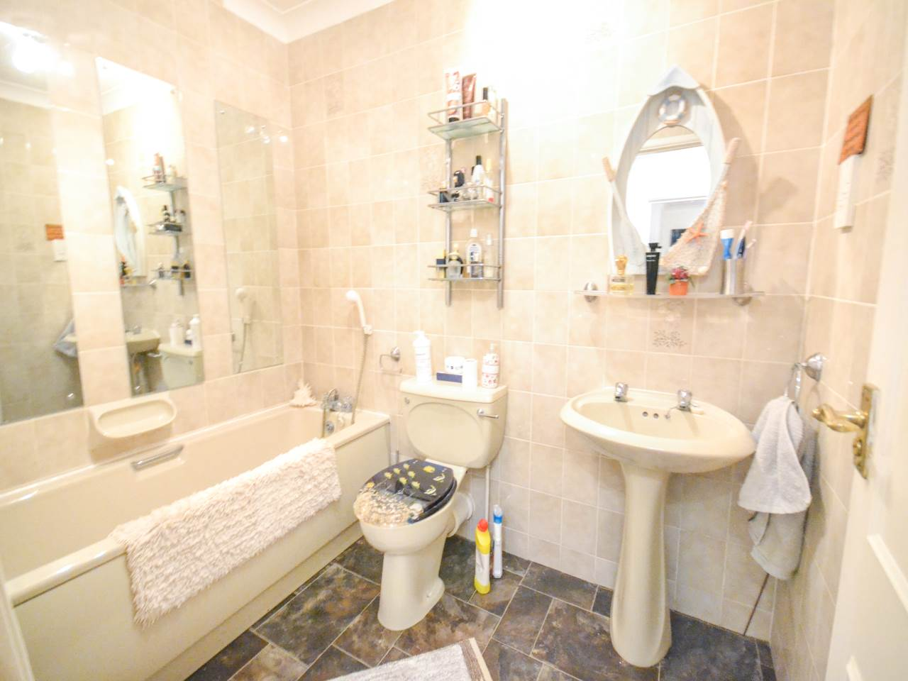3 bed flat for sale in Fairview Park, Overbury Road 14