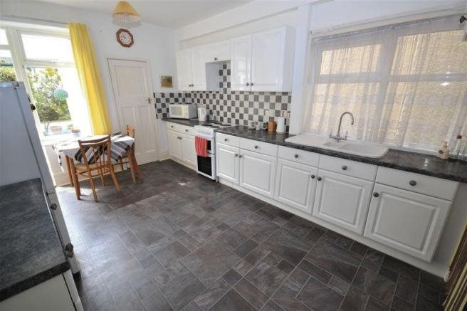 4 bed house for sale in Guildhill Road, Southbourne 7