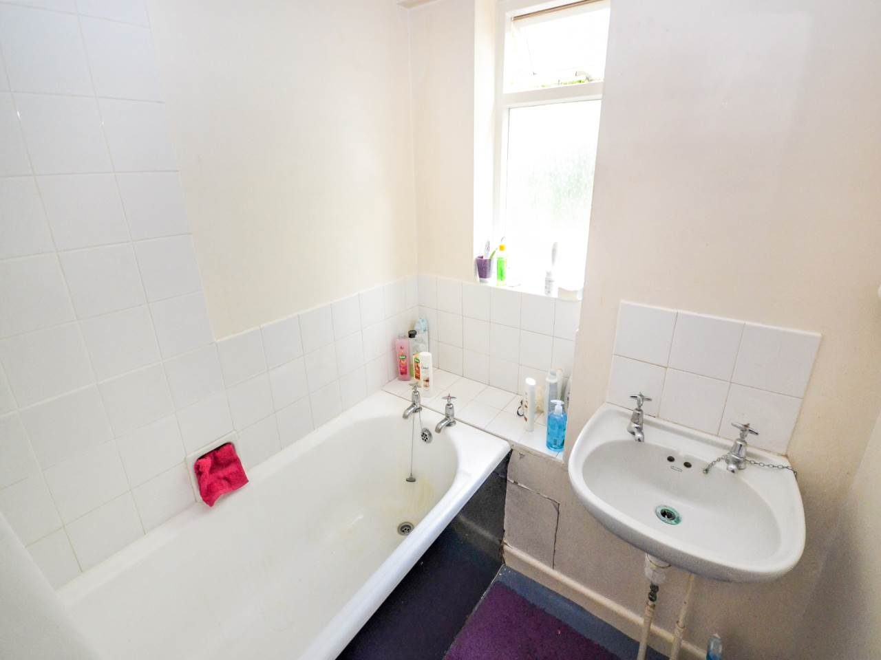 2 bed flat for sale in Guildford Court, 29 Surrey Road 5
