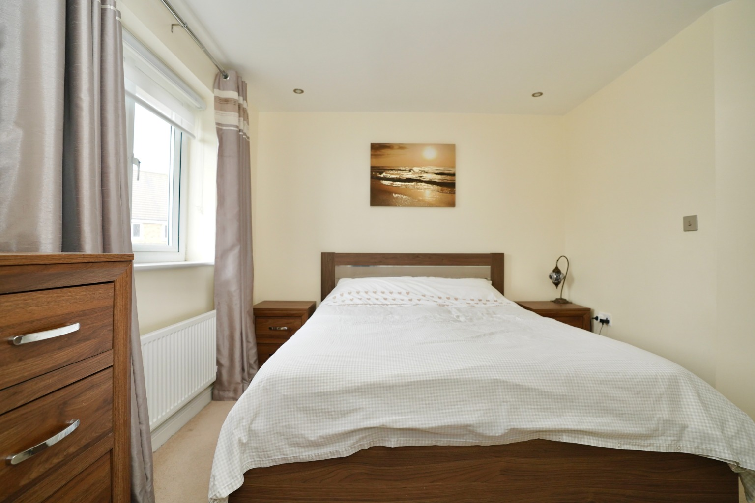 3 bed end of terrace house for sale in Stone Hill, Cambridgeshire  - Property Image 4