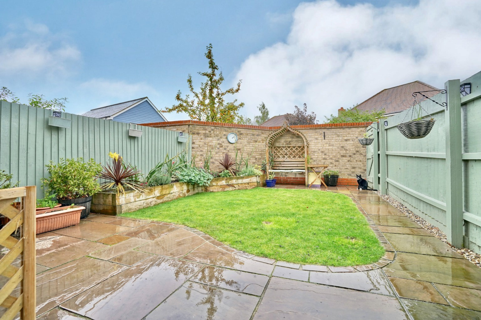 3 bed end of terrace house for sale in Stone Hill, Cambridgeshire  - Property Image 10