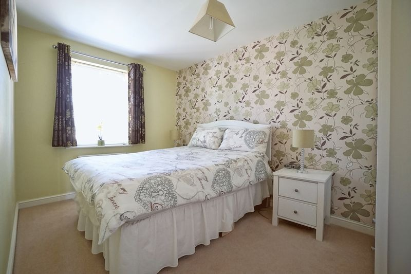 3 bed end of terrace house for sale in Stone Hill, Cambridgeshire  - Property Image 7
