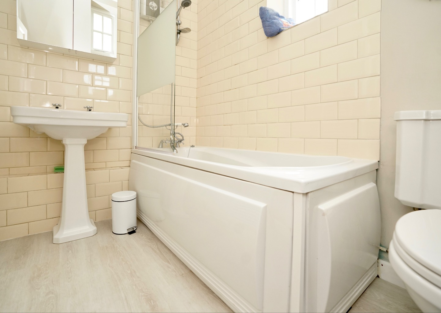 1 bed ground floor flat for sale in Linclare Place, St. Neots 7
