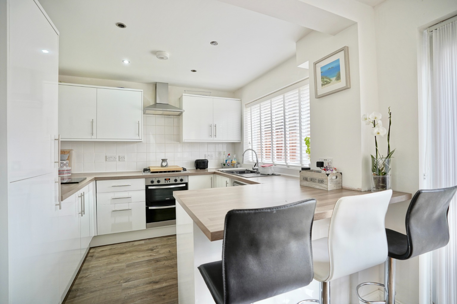 3 bed semi-detached house for sale in Burns Court, St. Neots  - Property Image 4