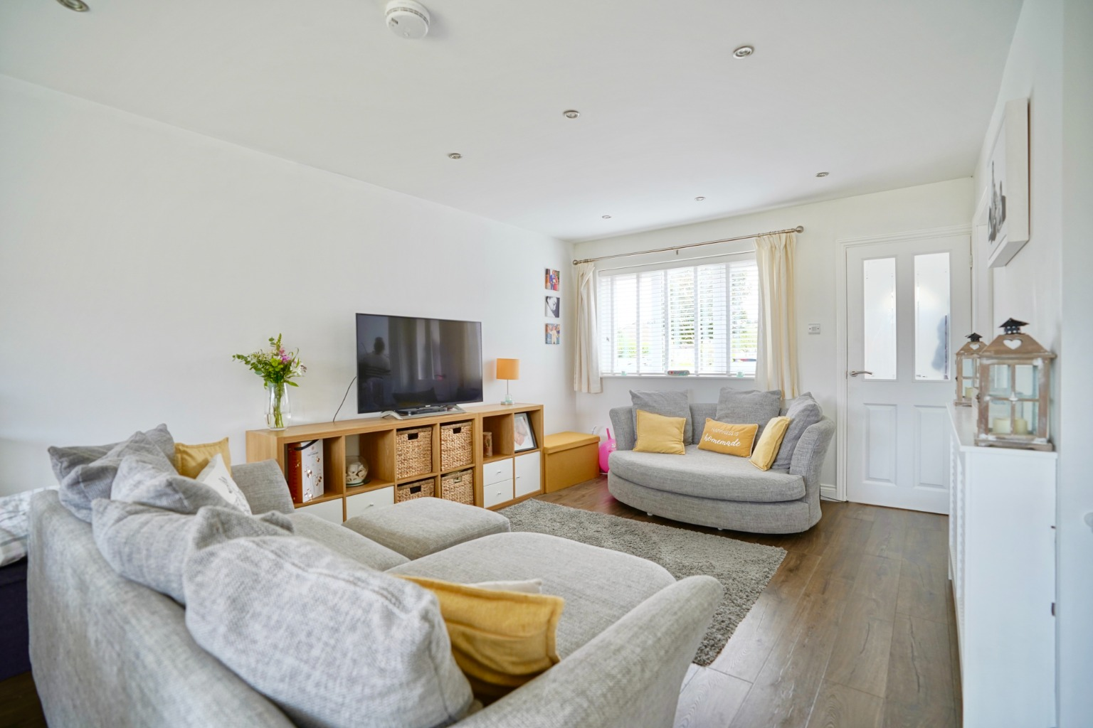 3 bed semi-detached house for sale in Burns Court, St. Neots  - Property Image 3