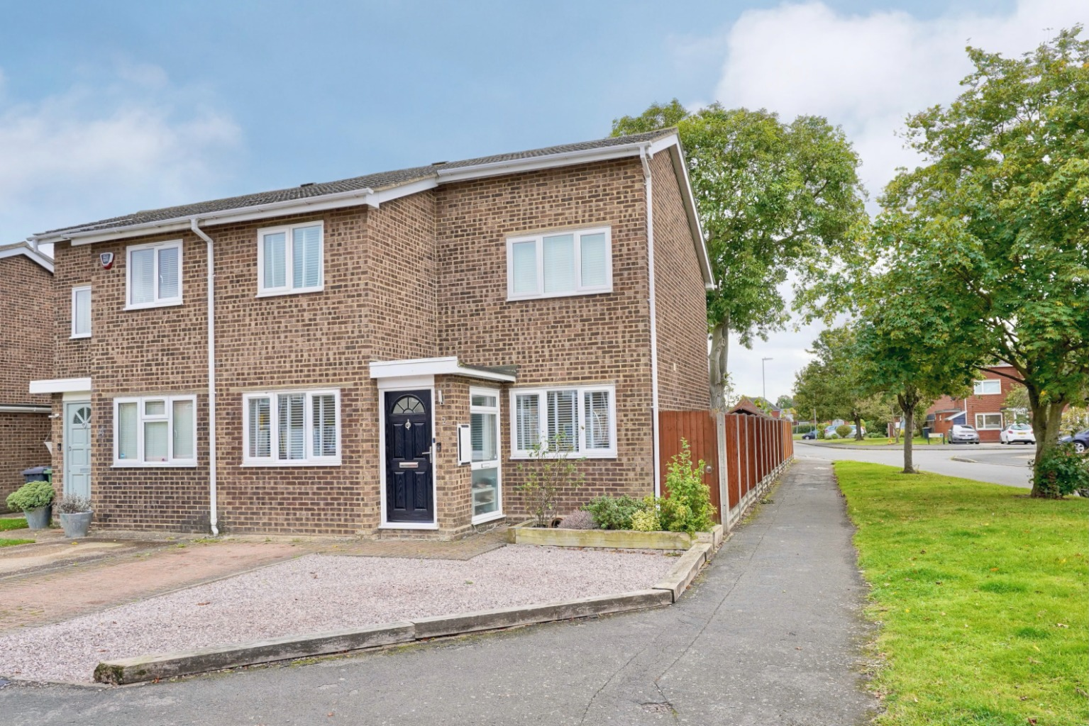 3 bed semi-detached house for sale in Burns Court, St. Neots - Property Image 1