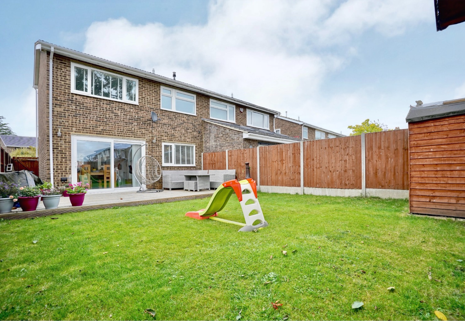 3 bed semi-detached house for sale in Burns Court, St. Neots 9