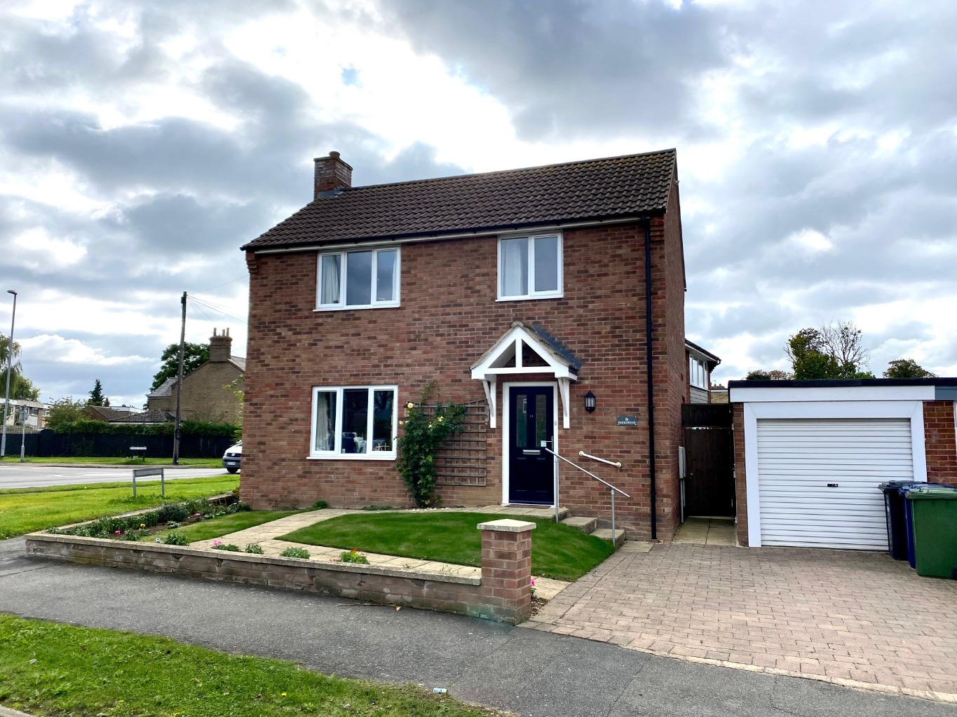 3 bed detached house for sale in Orchard Road, St. Neots  - Property Image 1