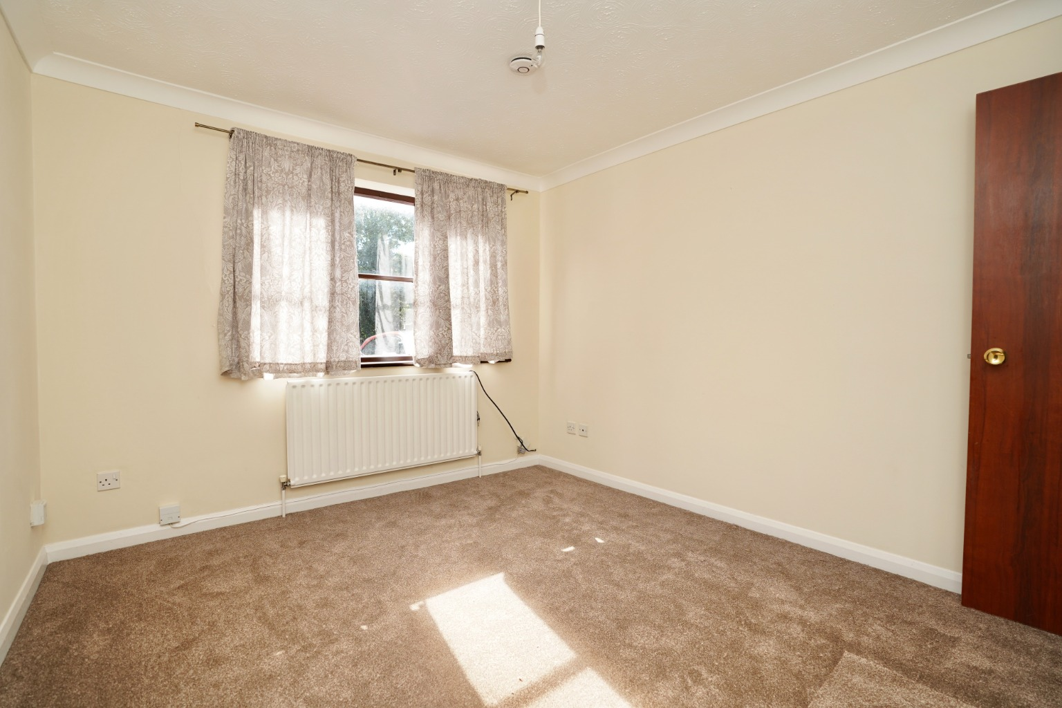 2 bed ground floor maisonette for sale in Rose Court, St. Neots Road, St. Neots  - Property Image 3