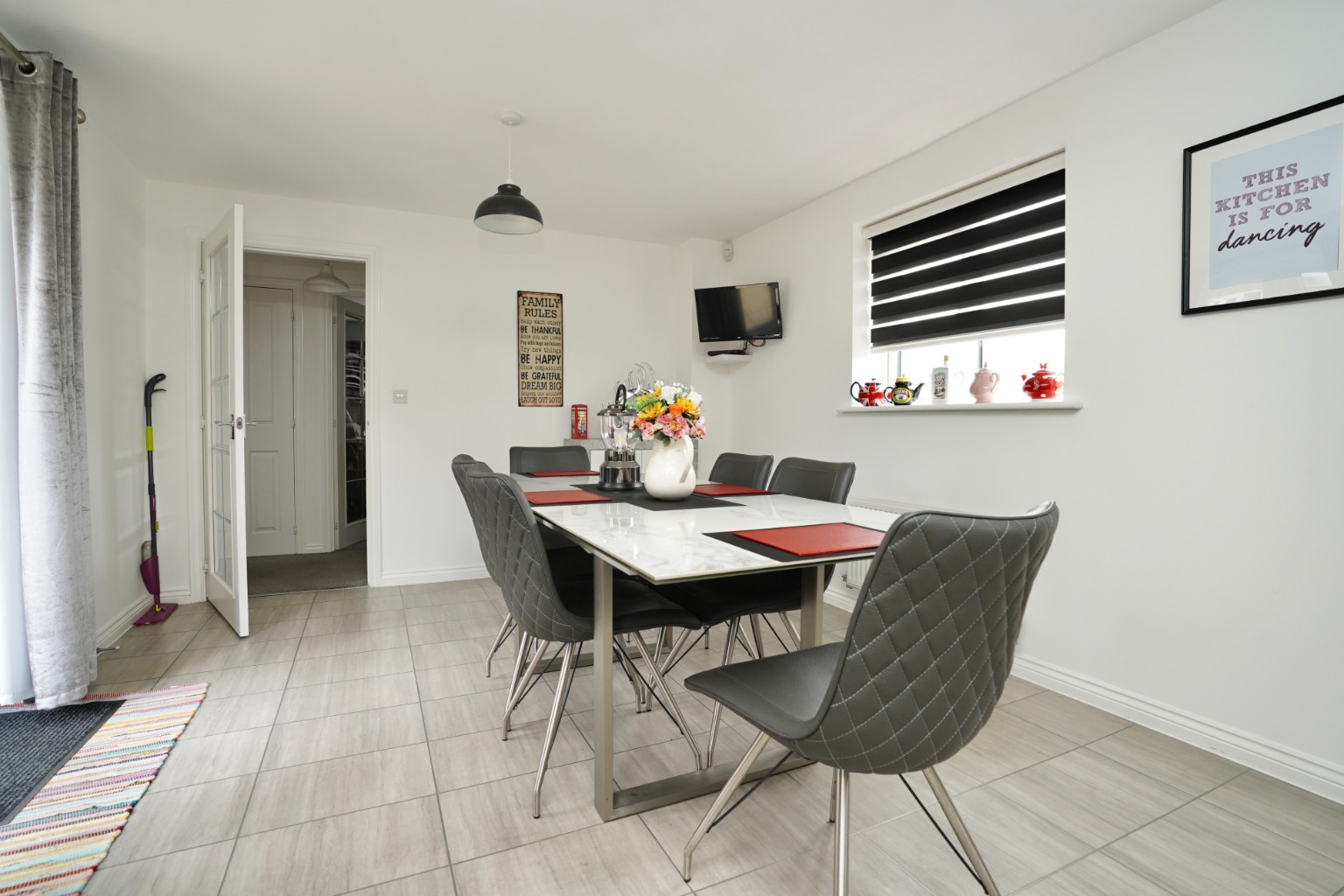 4 bed detached house for sale in Daffodil Close, St. Neots  - Property Image 5