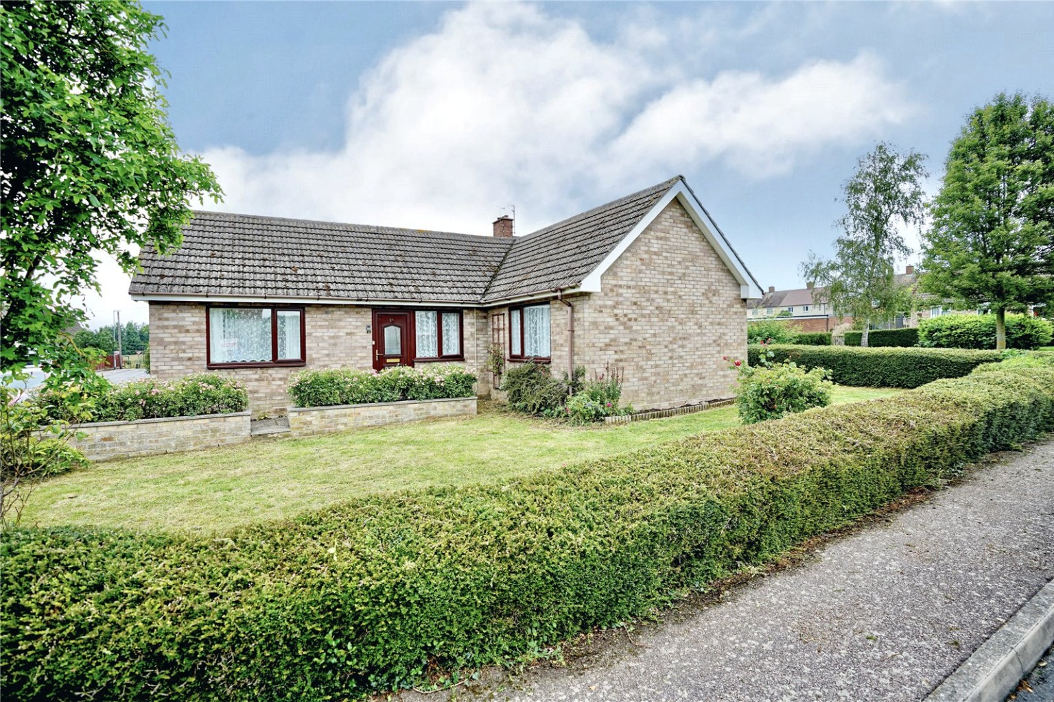 2 bed detached bungalow for sale in Brookside, St. Neots - Property Image 1