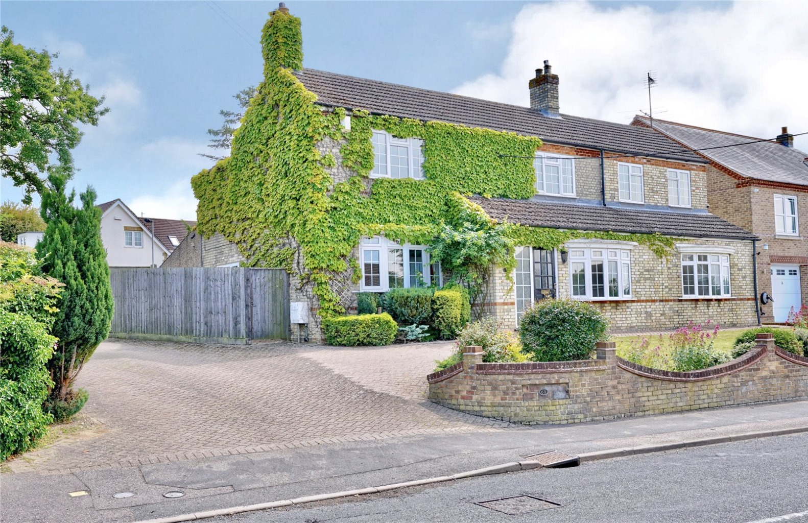 4 bed detached house for sale in High Street, St. Neots - Property Image 1