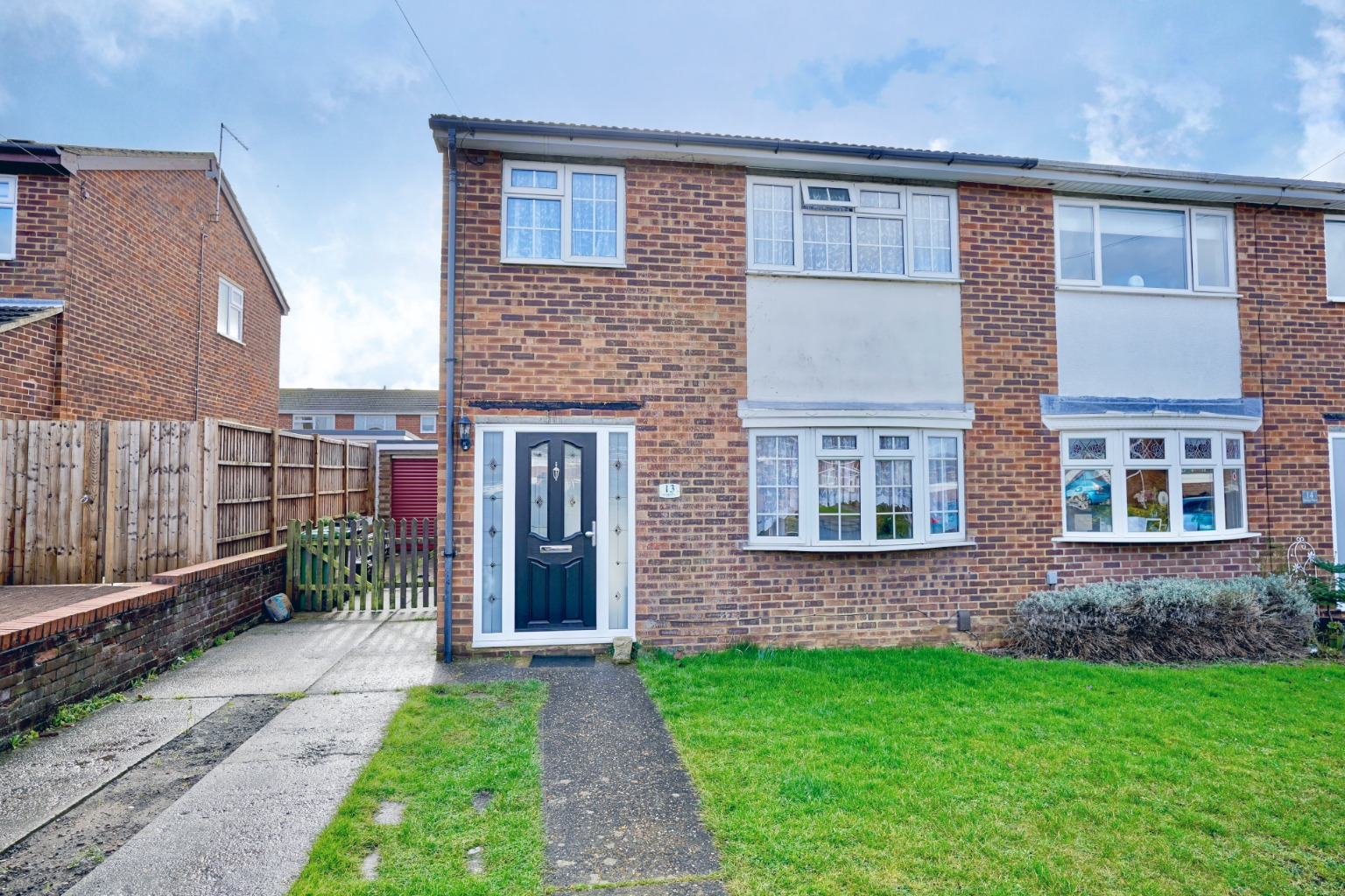 3 bed semi-detached house for sale in George Place, St. Neots - Property Image 1