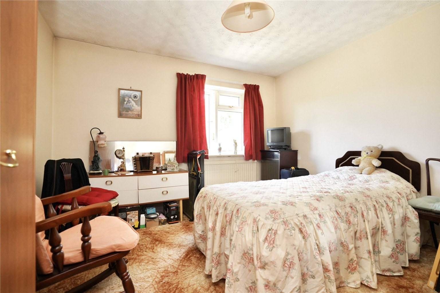 2 bed detached bungalow for sale in High Street, St. Neots  - Property Image 4