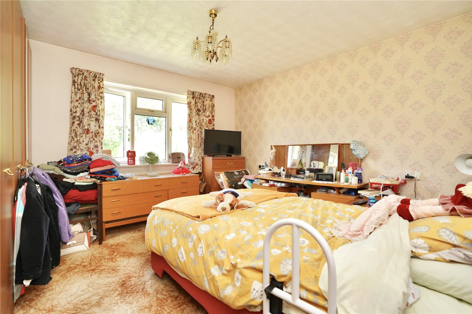 2 bed detached bungalow for sale in High Street, St. Neots  - Property Image 5