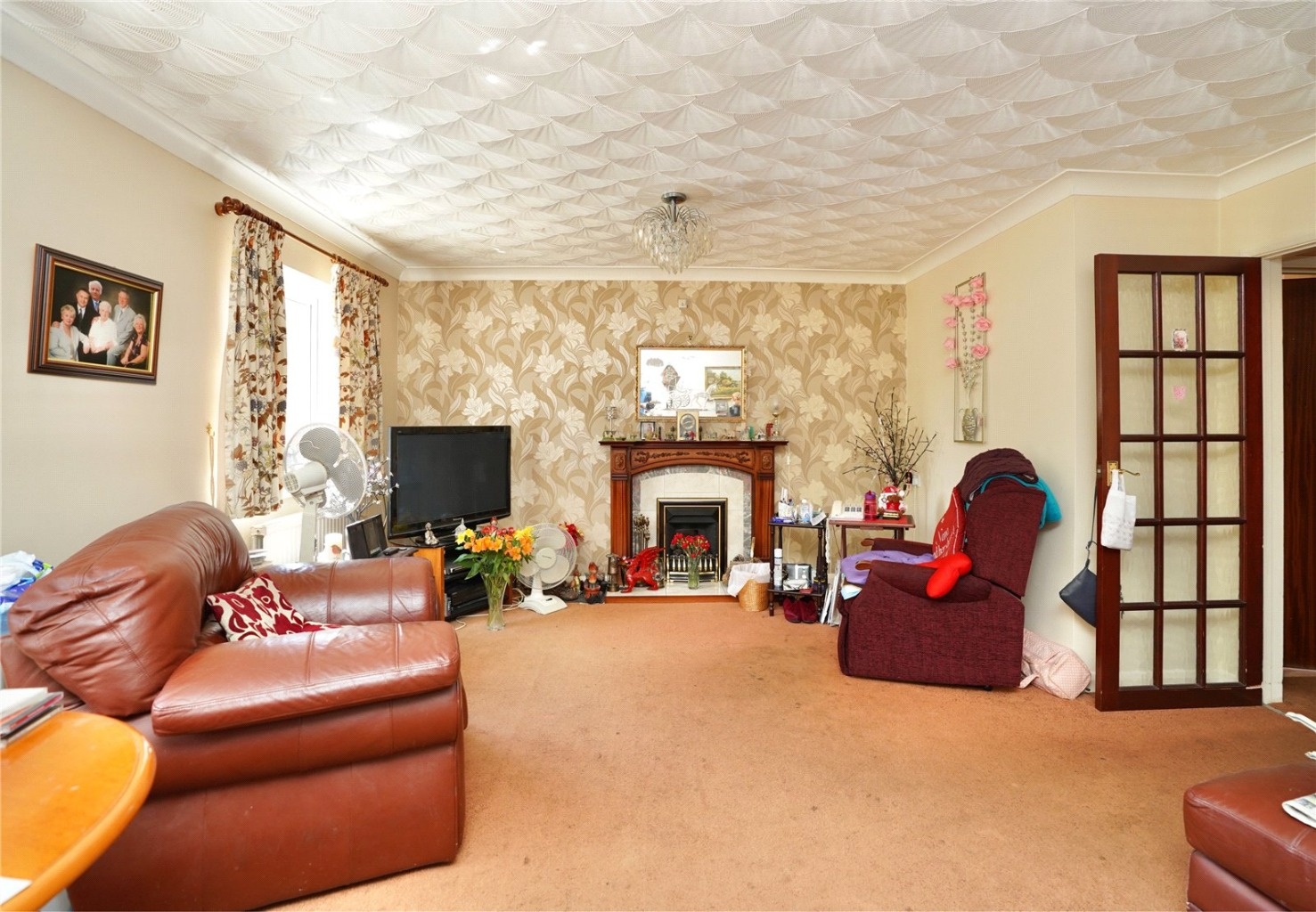 2 bed detached bungalow for sale in High Street, St. Neots 1