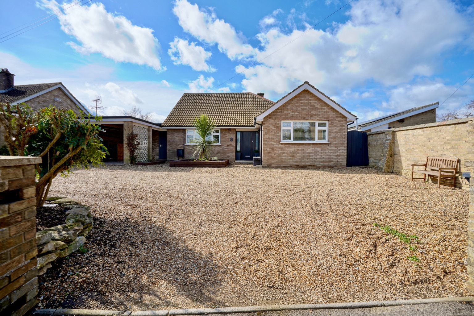 3 bed detached bungalow for sale in Howitts Lane, St. Neots - Property Image 1