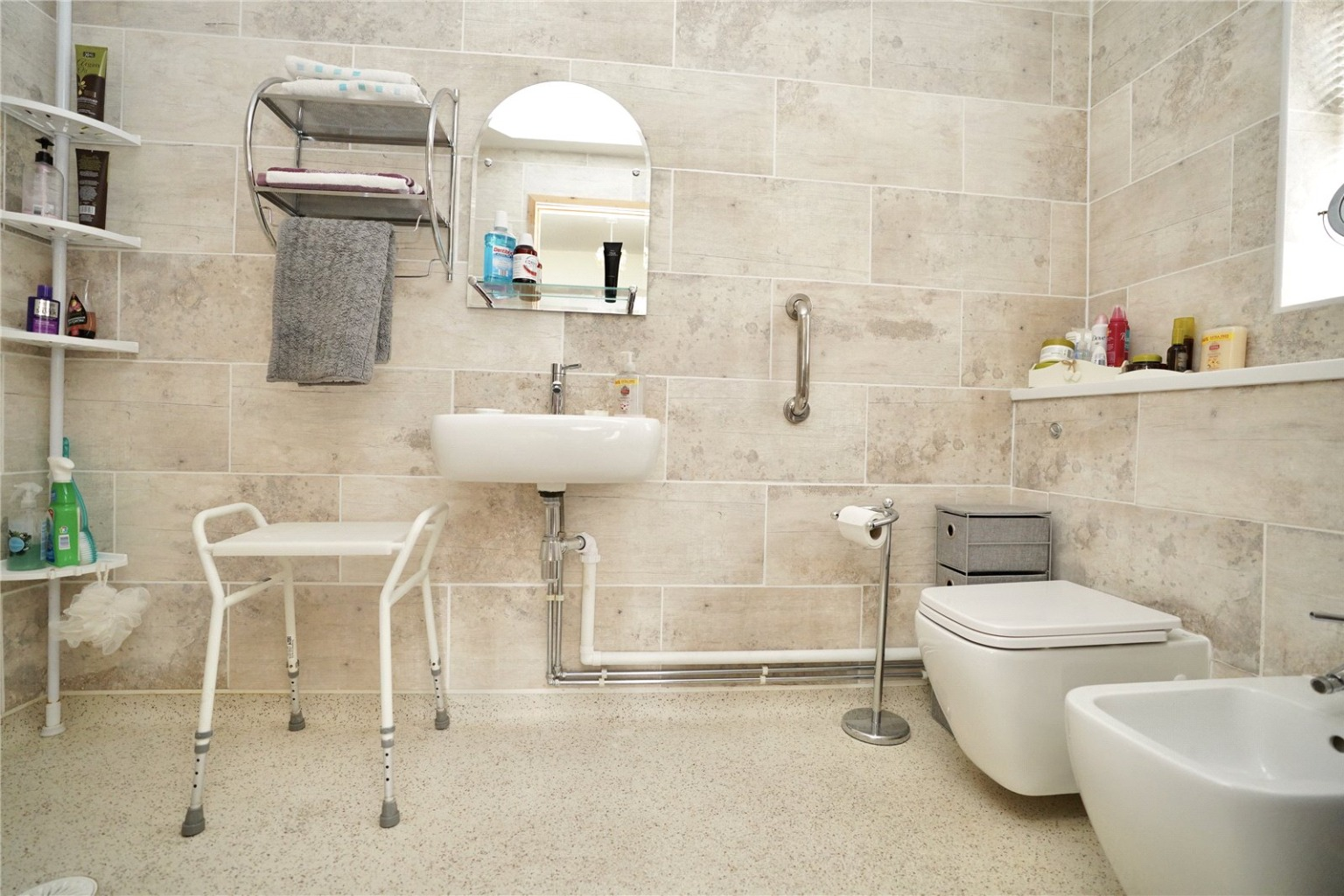 2 bed detached bungalow for sale in Parkway, St. Neots  - Property Image 7