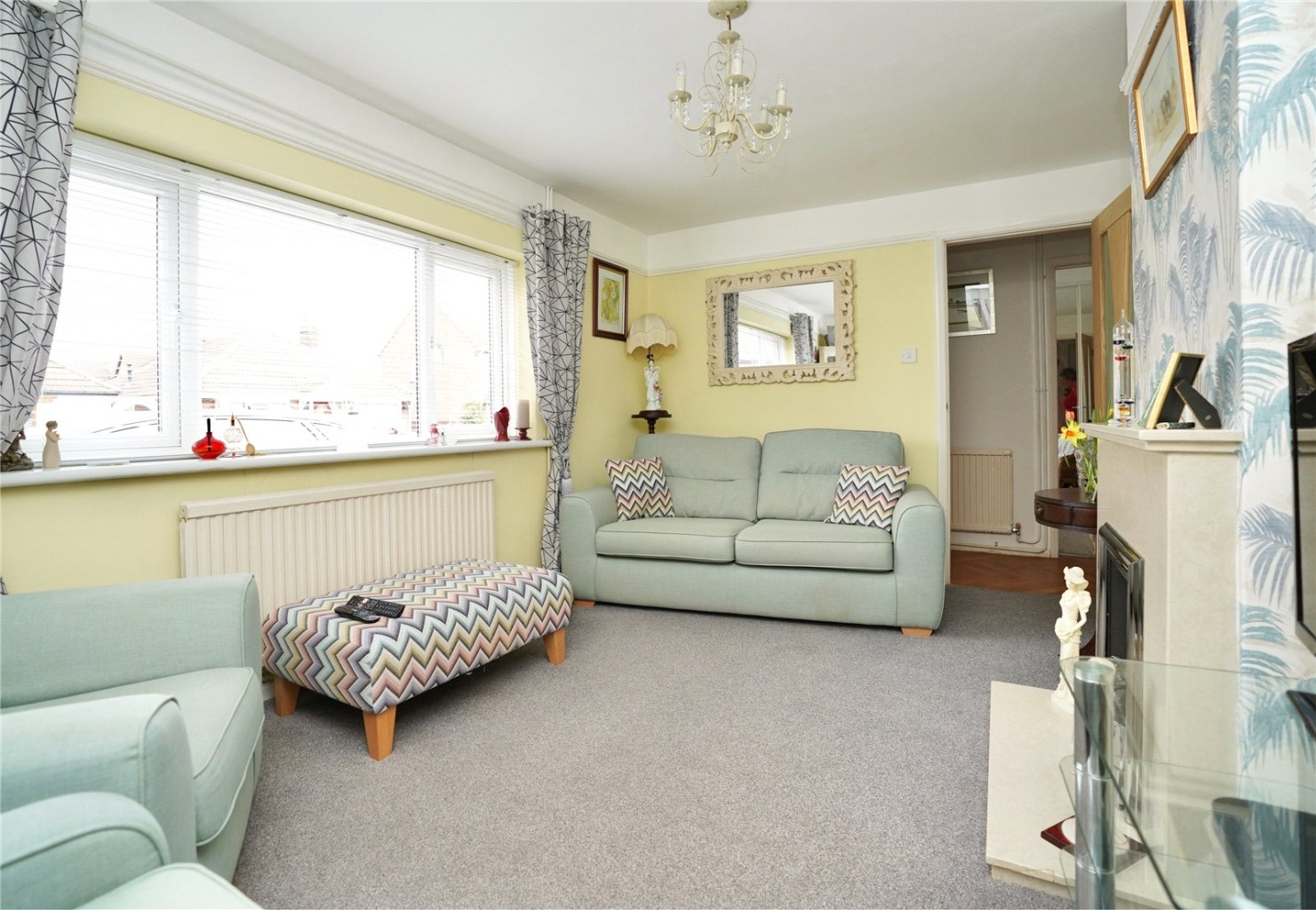 2 bed detached bungalow for sale in Parkway, St. Neots 2