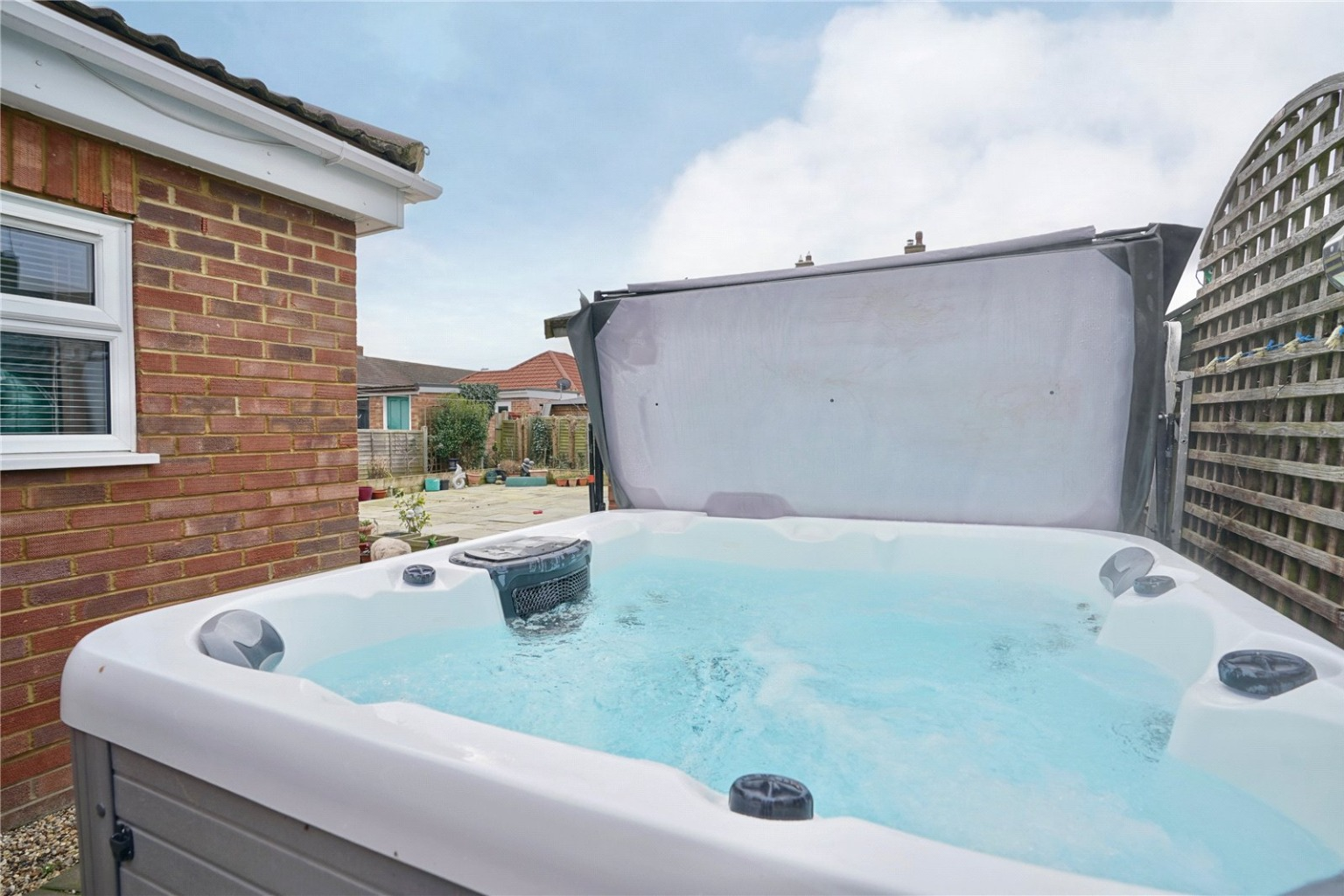 2 bed detached bungalow for sale in Parkway, St. Neots  - Property Image 12