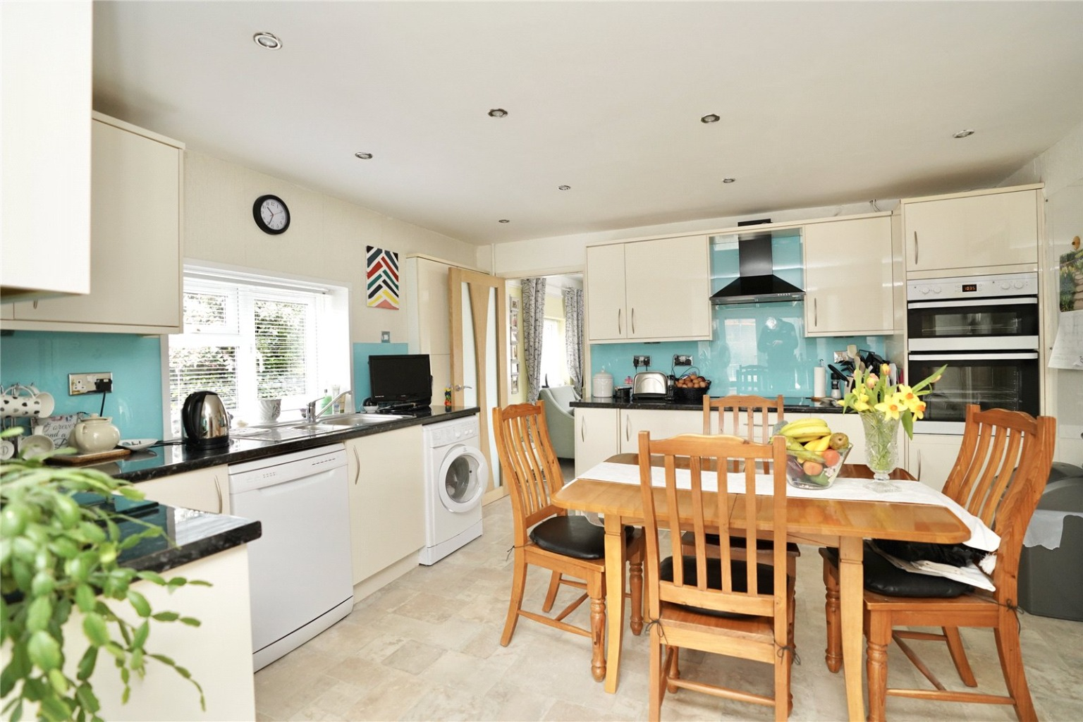 2 bed detached bungalow for sale in Parkway, St. Neots 1