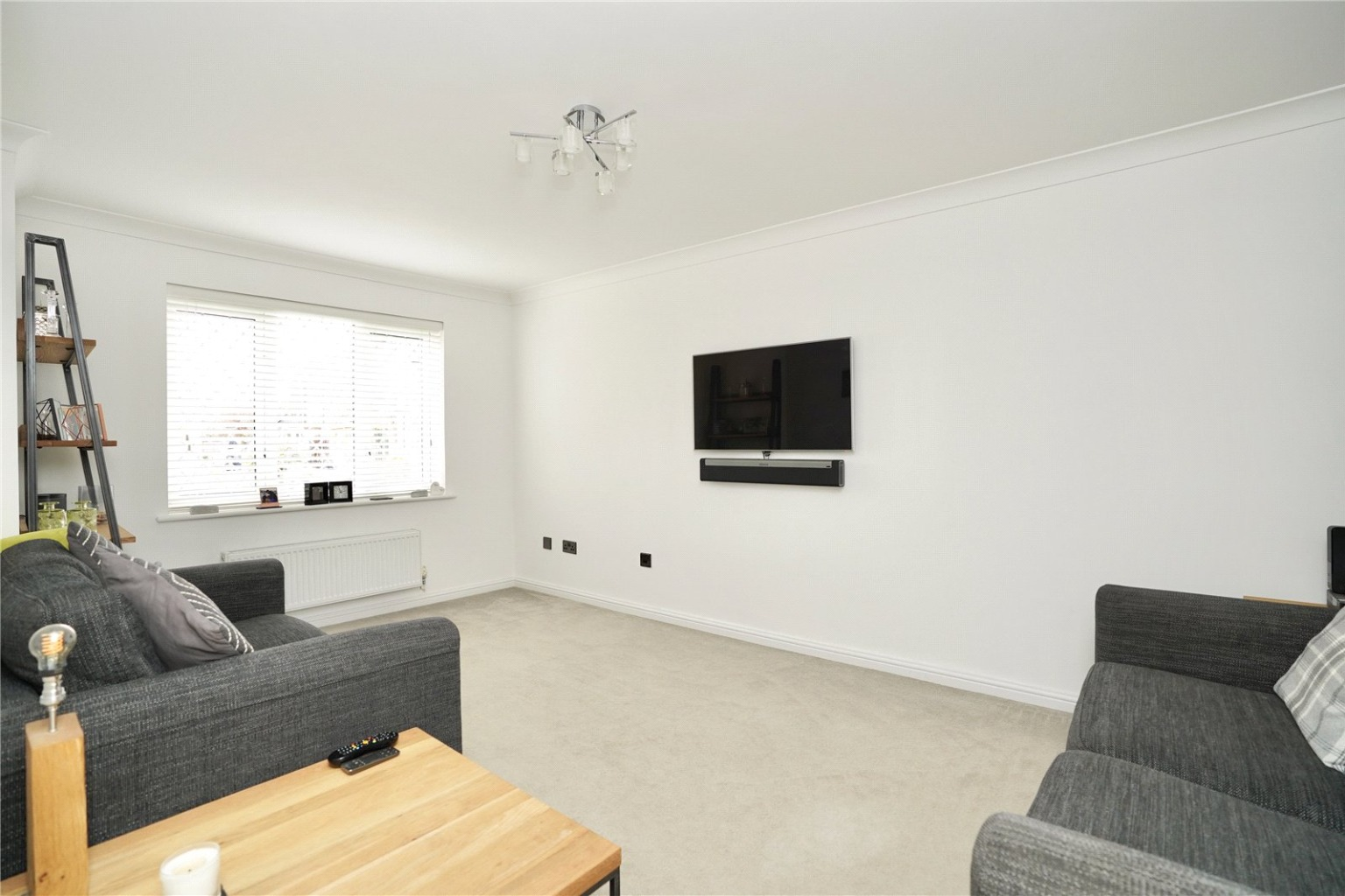 3 bed detached house for sale in Chamberlain Way, St. Neots  - Property Image 3