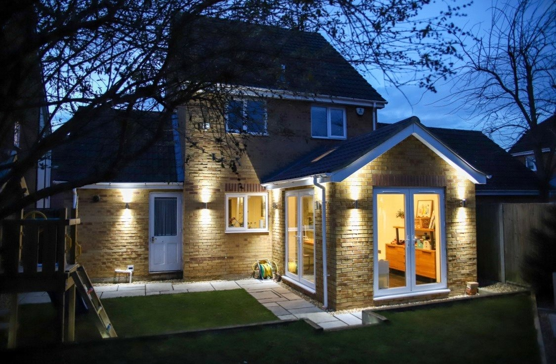 3 bed detached house for sale in Chamberlain Way, St. Neots  - Property Image 2