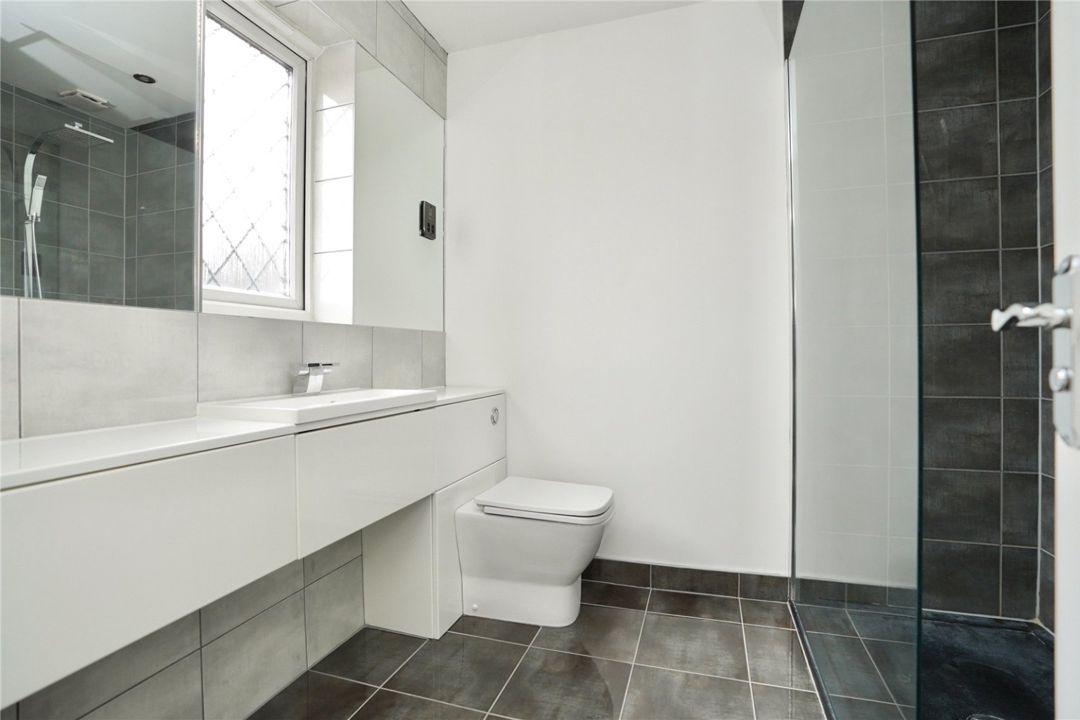 3 bed detached house for sale in Chamberlain Way, St. Neots  - Property Image 10
