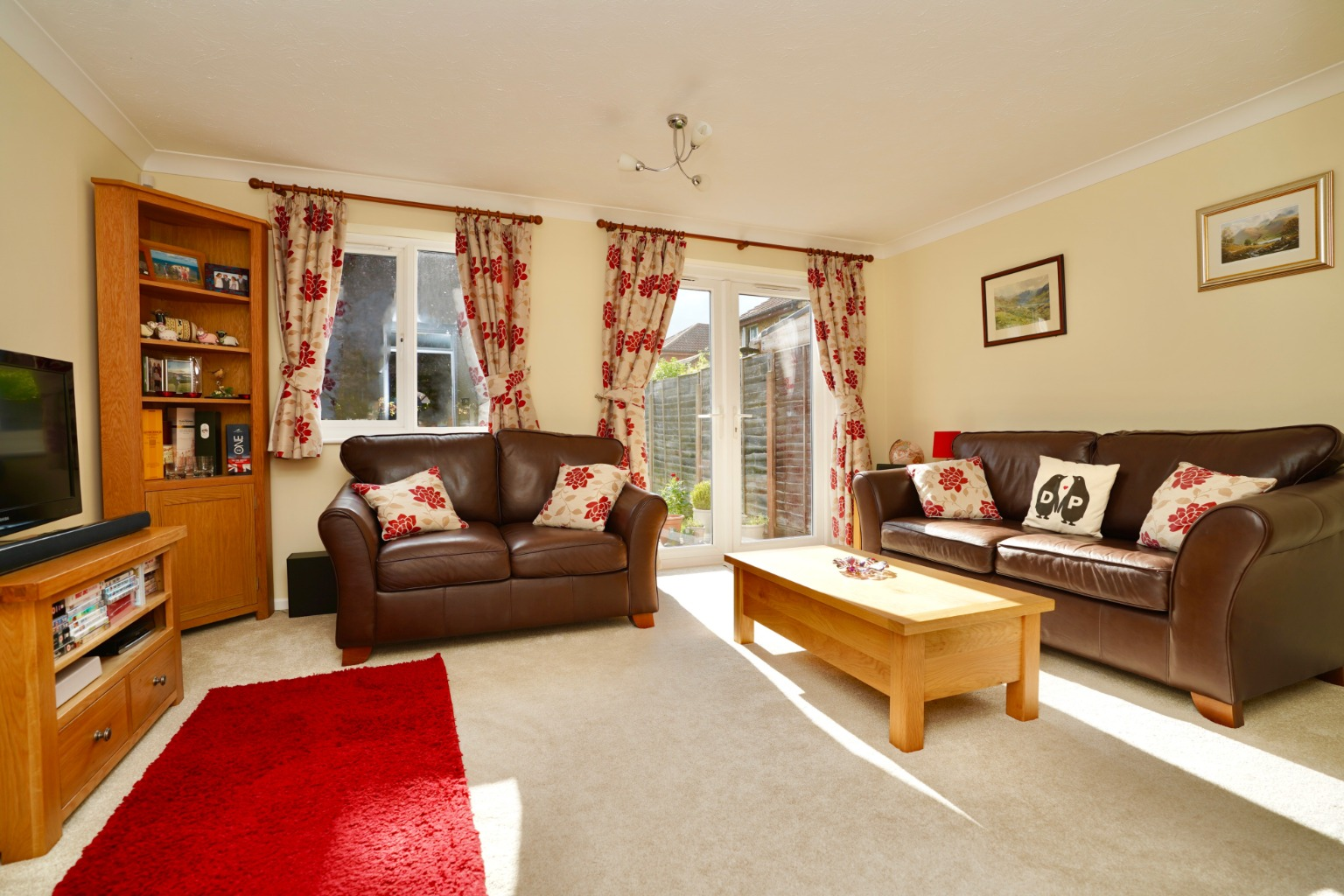3 bed semi-detached house for sale in Carisbrooke Way, St. Neots  - Property Image 8