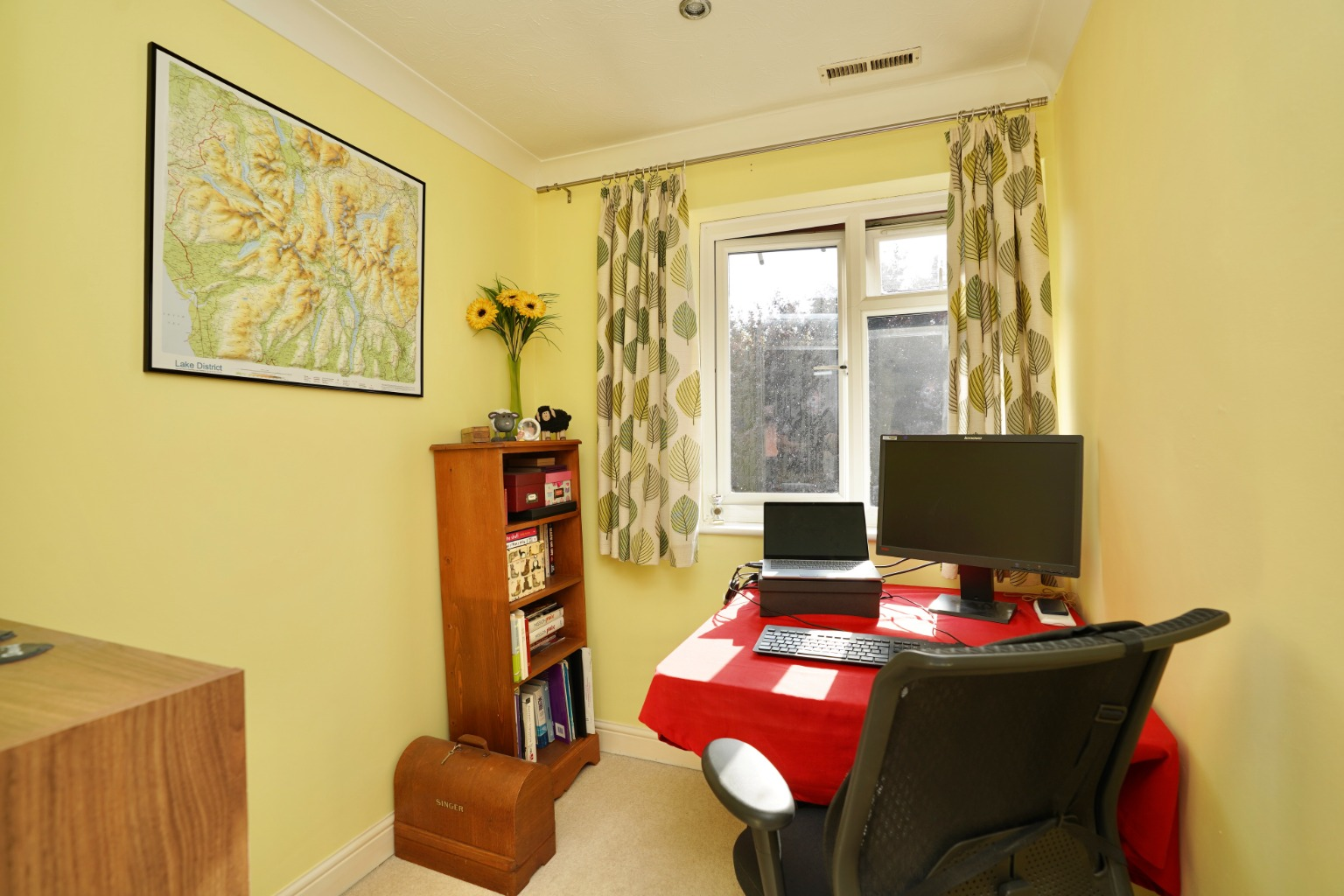 3 bed semi-detached house for sale in Carisbrooke Way, St. Neots  - Property Image 3