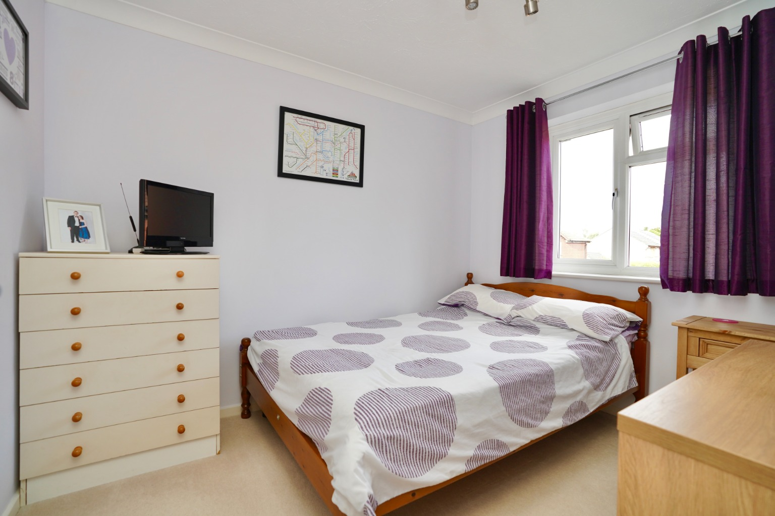 3 bed semi-detached house for sale in Carisbrooke Way, St. Neots  - Property Image 6