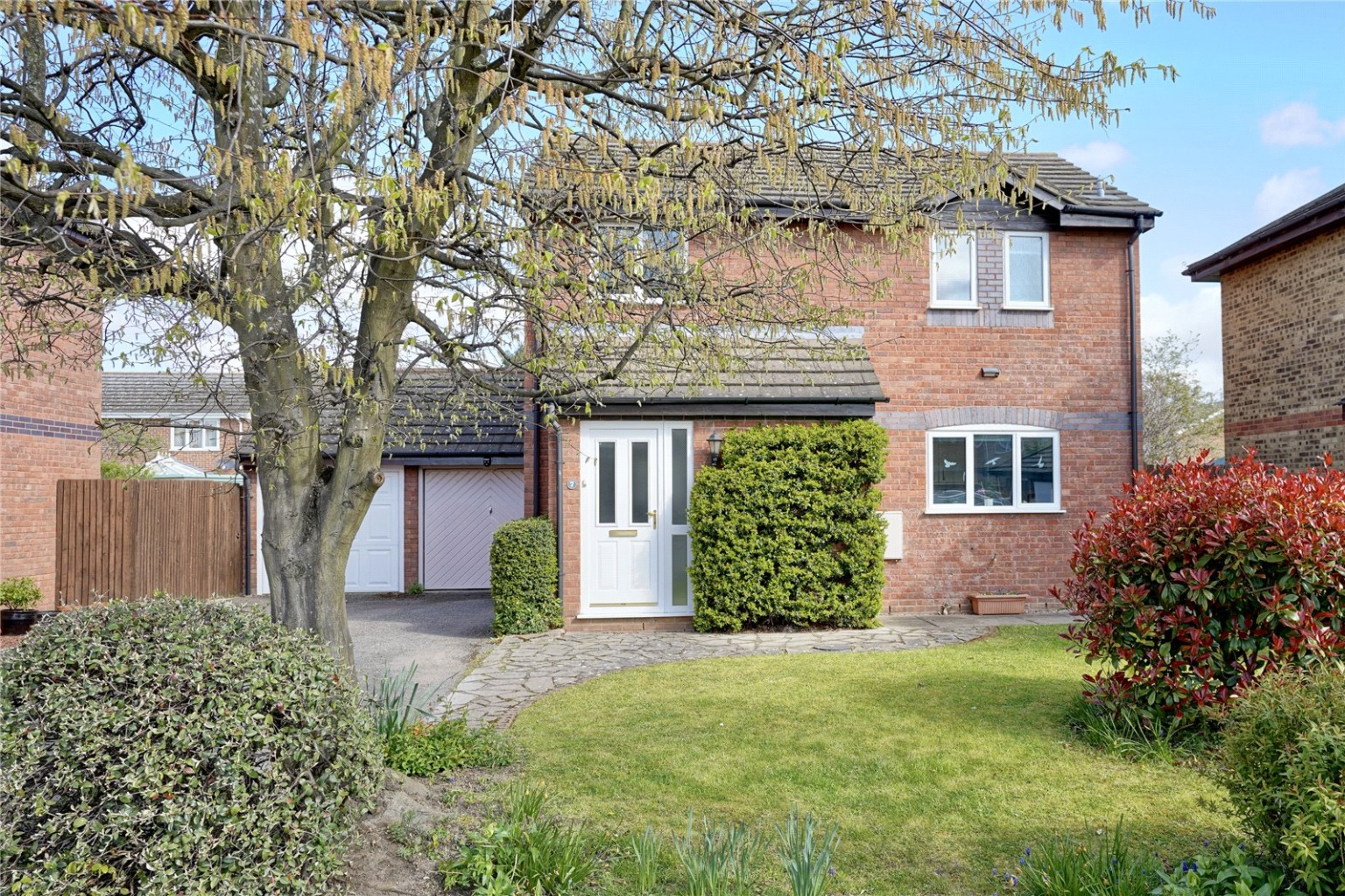 3 bed detached house for sale in Tintagel Court, St. Neots - Property Image 1