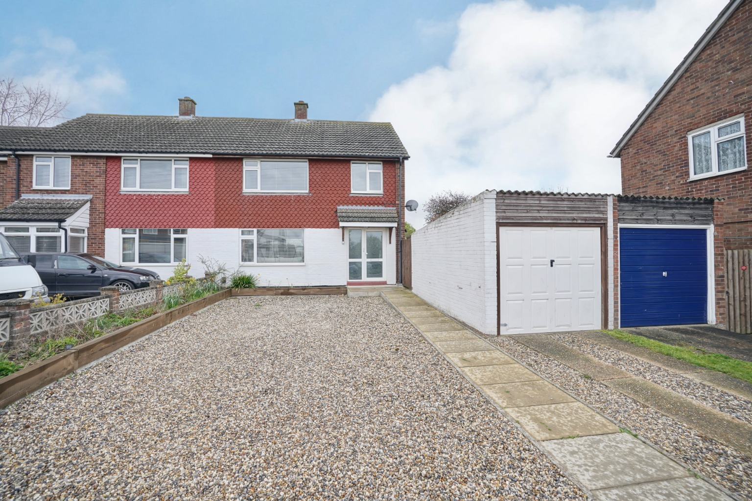 3 bed semi-detached house for sale in Longsands Road, St. Neots - Property Image 1