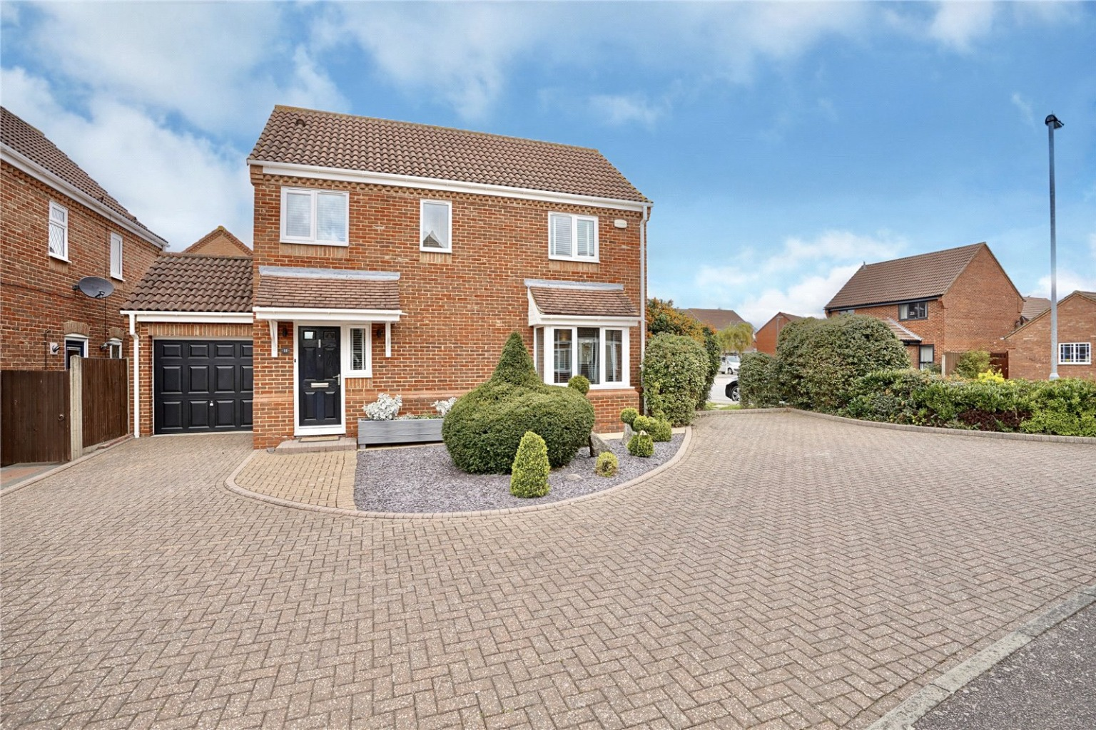 3 bed detached house for sale in Popham Close, St. Neots  - Property Image 1