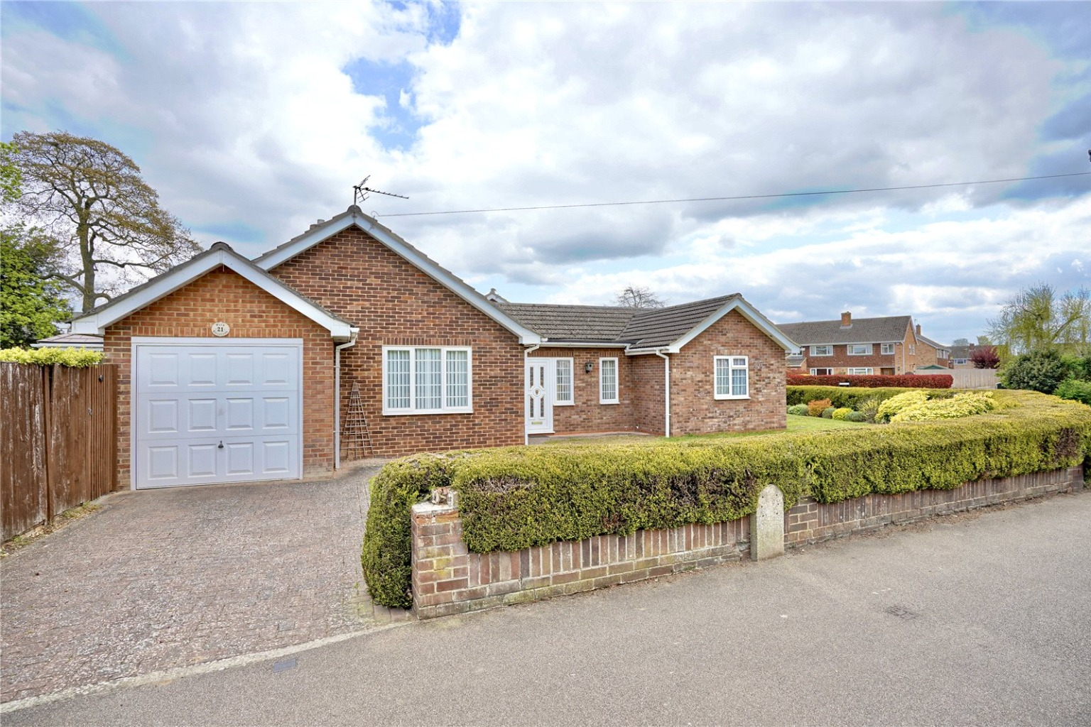 2 bed detached bungalow for sale in Park Crescent, St. Neots  - Property Image 1