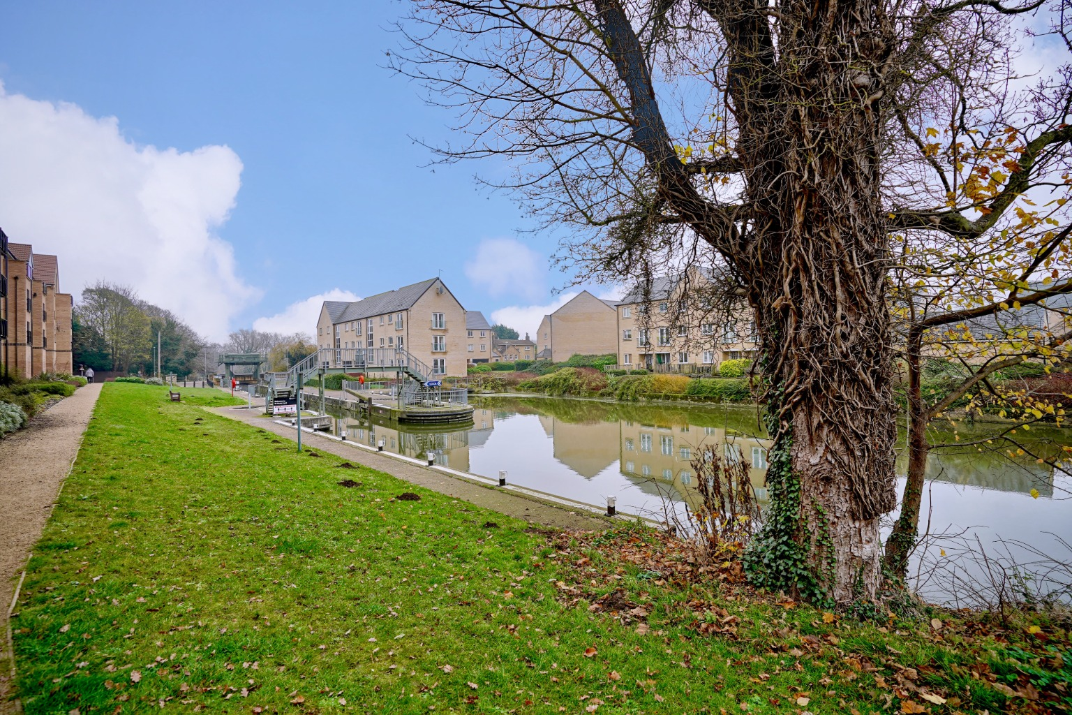 1 bed flat for sale in Marbled White Court, St. Neots - Property Image 1