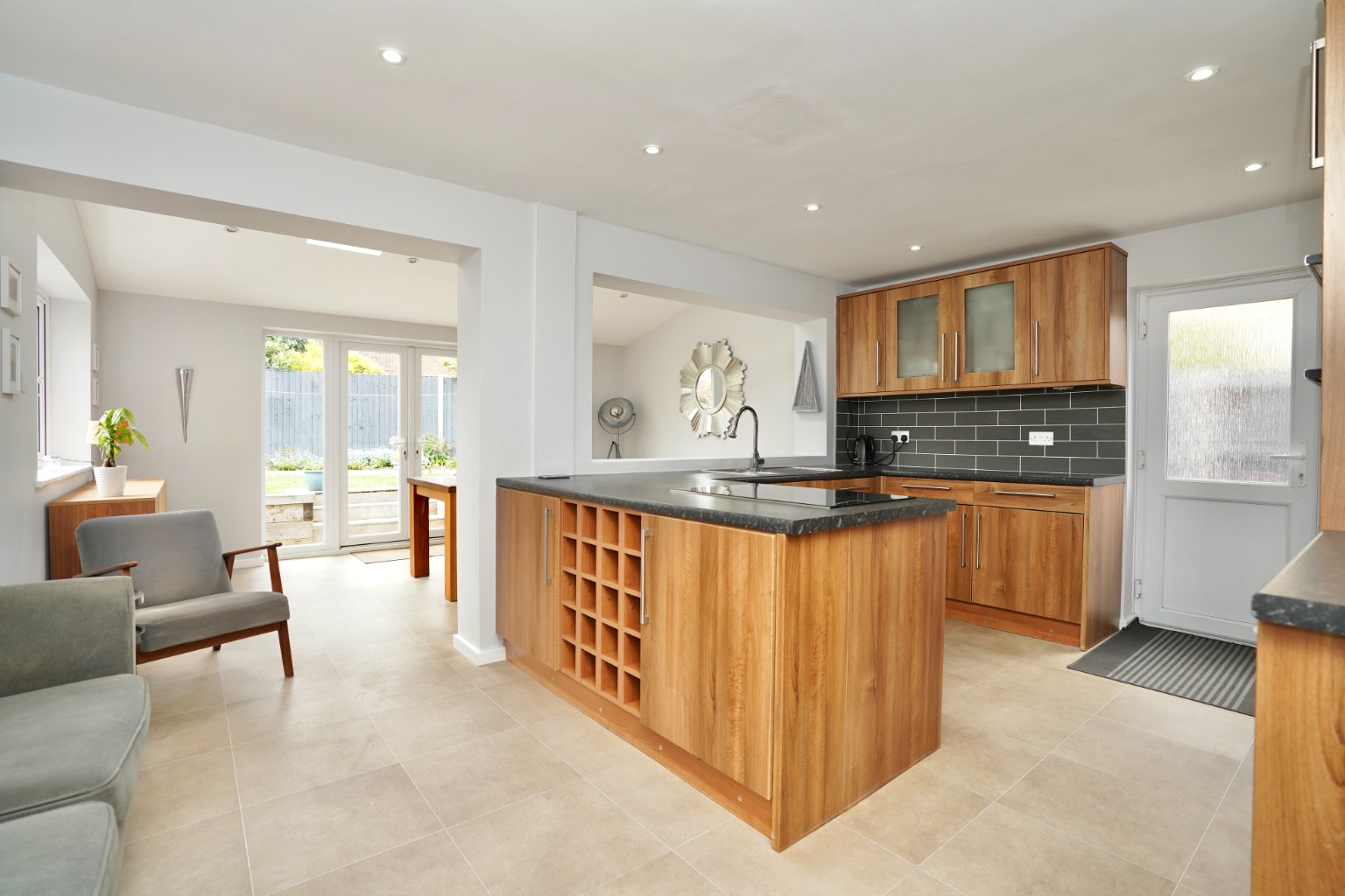 4 bed detached house for sale in Milton Avenue, St. Neots 1
