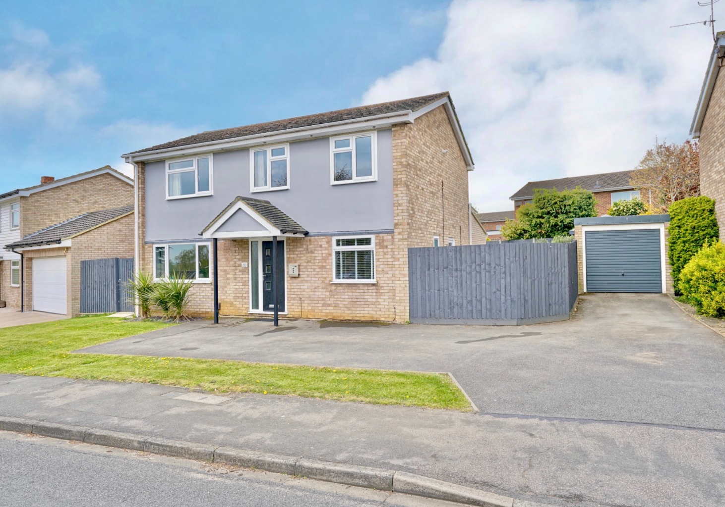4 bed detached house for sale in Milton Avenue, St. Neots  - Property Image 1
