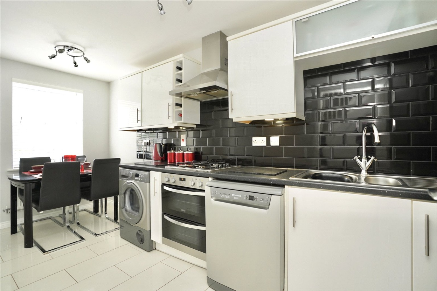 4 bed town house for sale in Buttercup Avenue, St. Neots  - Property Image 3