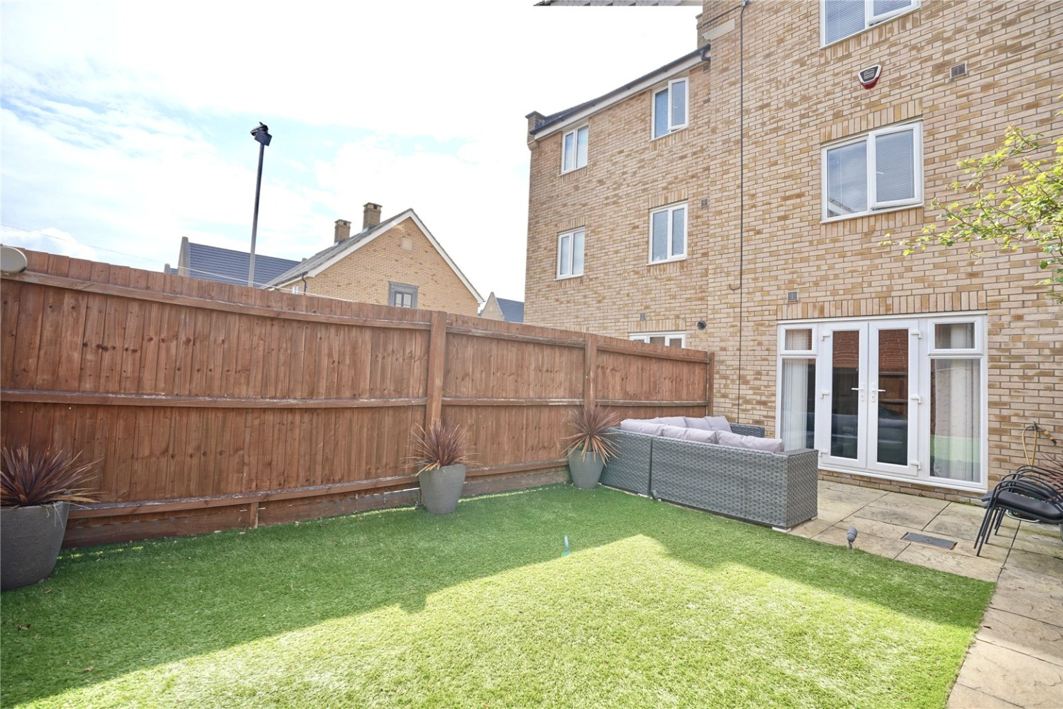 4 bed town house for sale in Buttercup Avenue, St. Neots 10