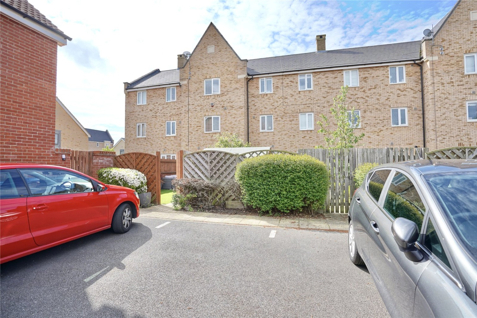 4 bed town house for sale in Buttercup Avenue, St. Neots 14